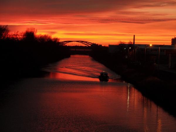 Sonnenuntergang von der Chris-Gueffroy-Brücke
